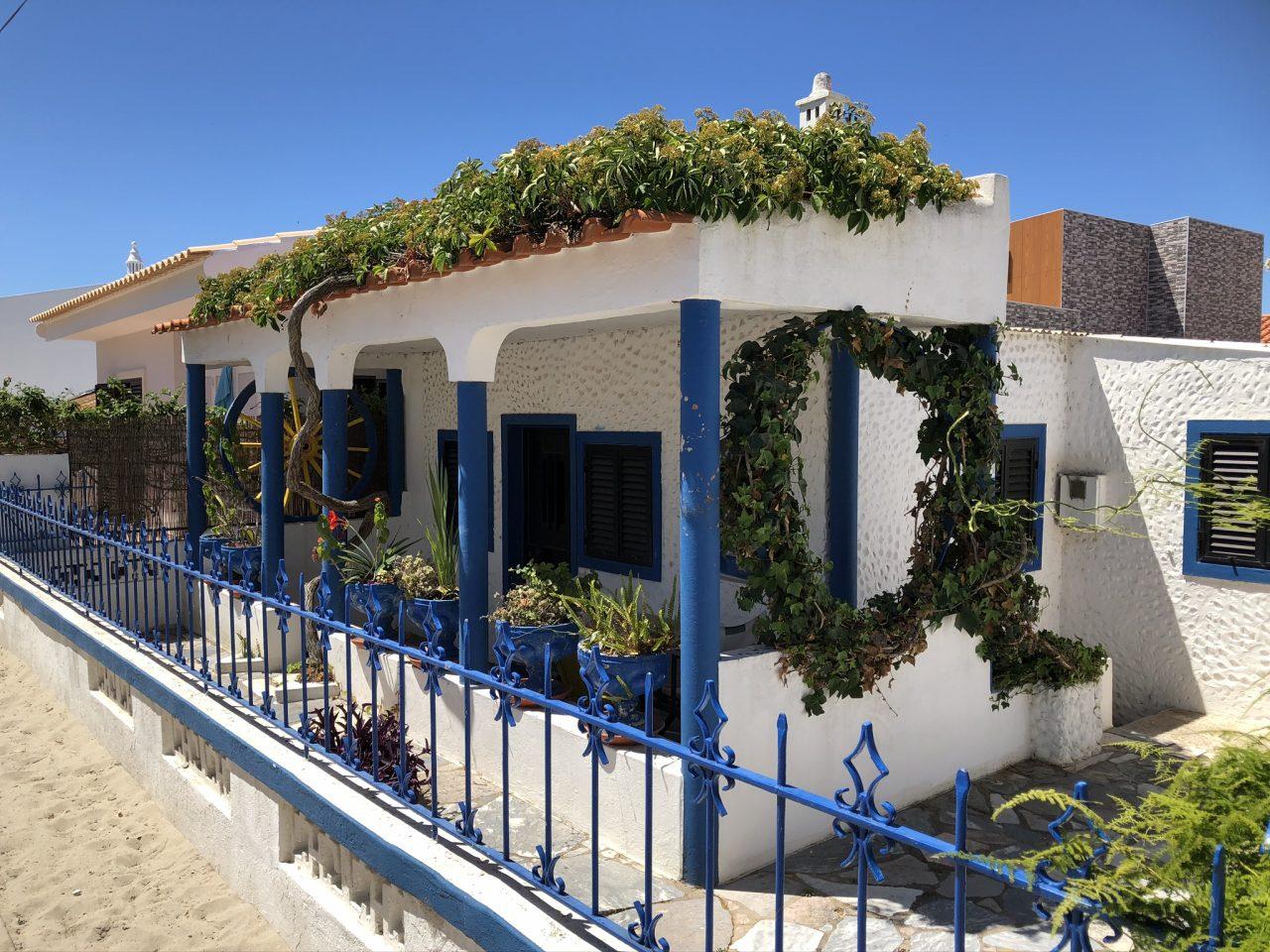 De Algarve meer dan rotskust, zee en strand